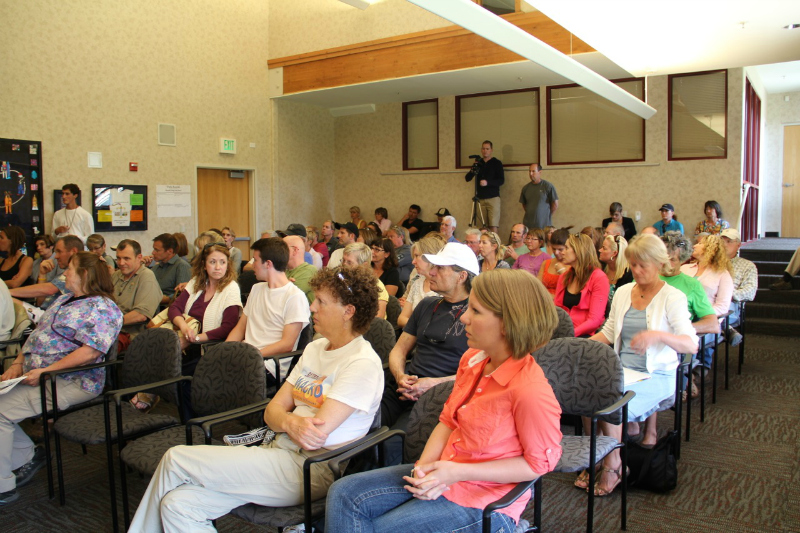 The Summit County Council drew a large crowd on Wednesday at the Sheldon Richins Building as officials discussed the leash law, long a controversial rule in the Park City area. The crowd clapped and whistled at some points. Nan Chalat-Noaker/Park Record