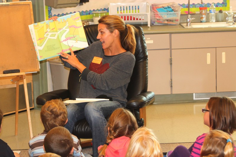 Four-time Olympic medalist Summer Sanders reads Dr. Seuss   Oh, the Places You ll Go  to a classroom at Trailside Elementary as part of the  Readers are Leaders  event on Monday, Sept. 30. (Dan Meier/Trailside Elementary)