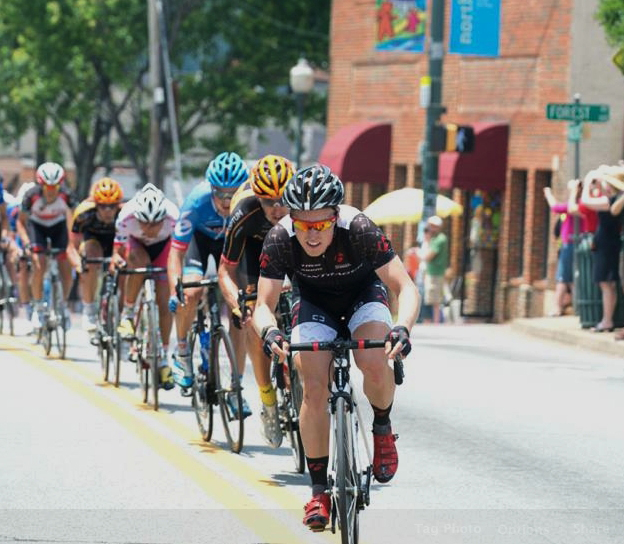 Tanner Putt leads the pack during last year s national championship race in Madison, Wisconsin. Photo courtesy of Casey Gibson