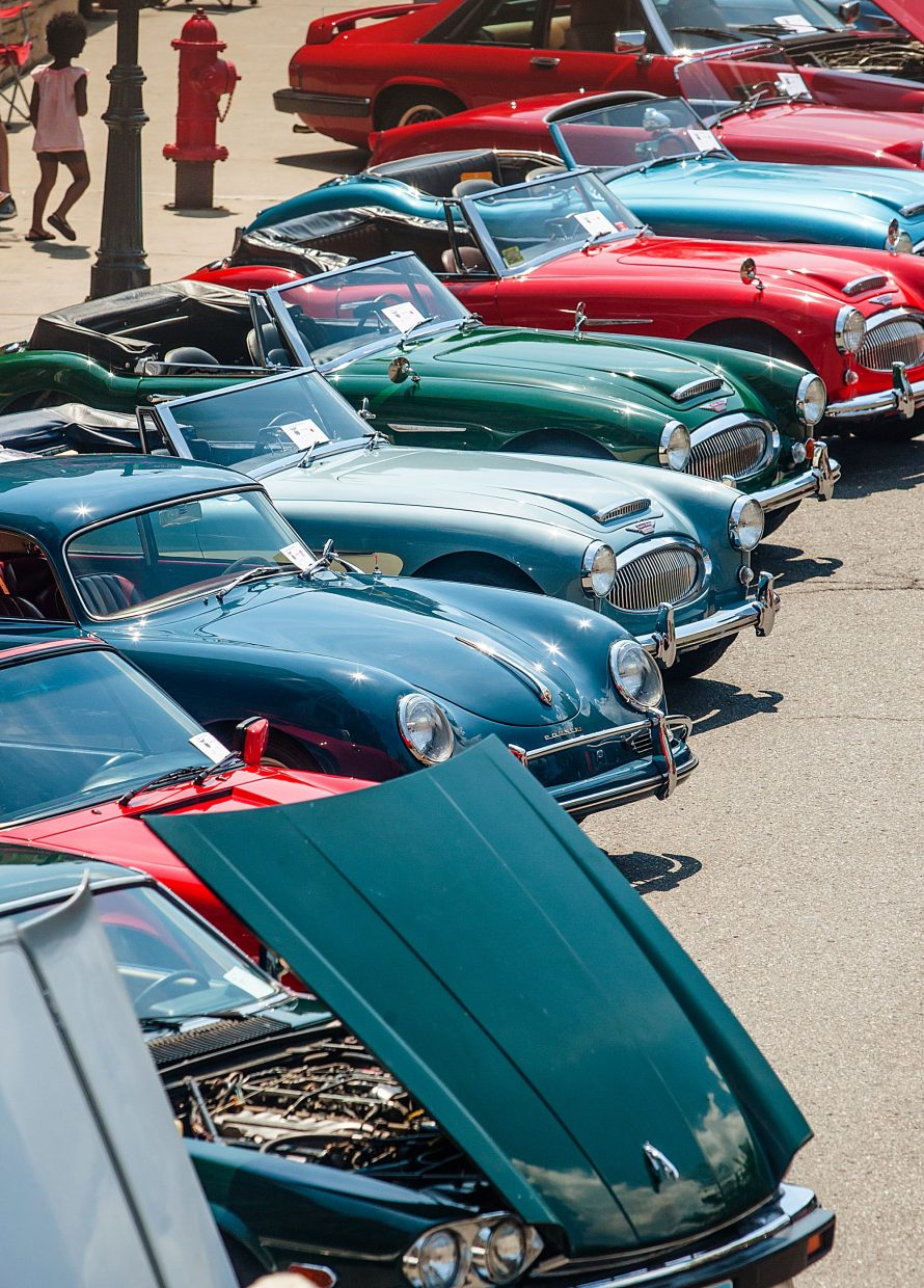 Park City Classic Car Show Pulls Into New Location At Billy Blancos - Classic show cars