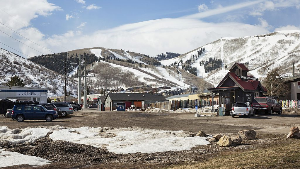 Park City inks lease deals with coffee drive-thru, other businesses
