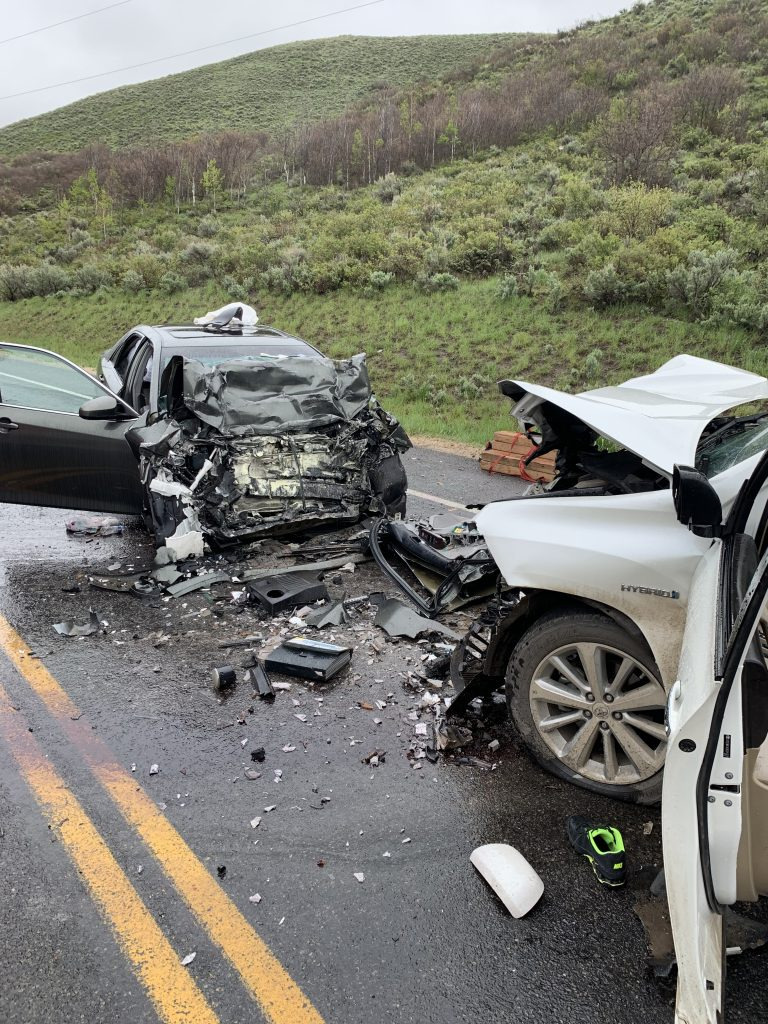 One dead in head-on collision Thursday morning in Brown's Canyon