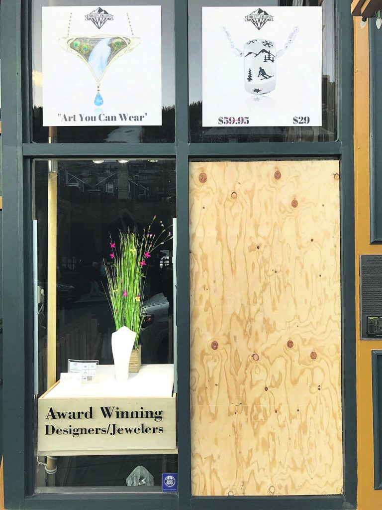 Park City jewelry store smash-and-grab probe yields arrests